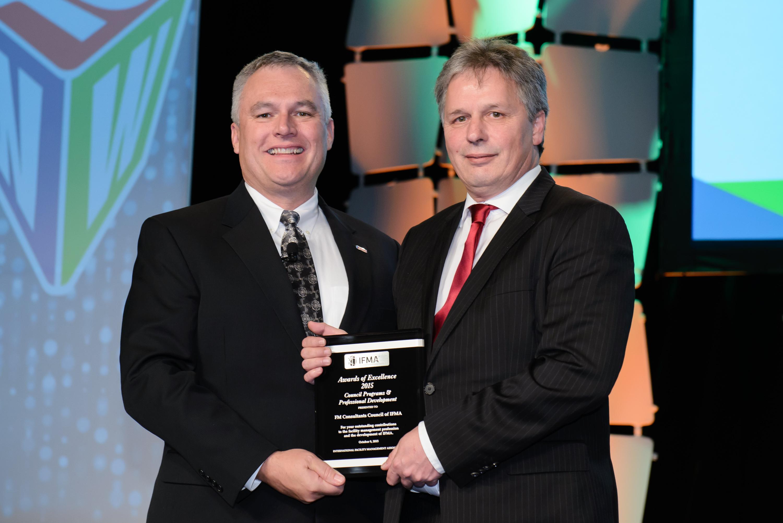 FM Consultants Council receives Council Award for Programs & Professional Development FM Consultants Council