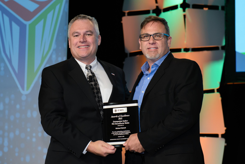 Mike Habeeb receives Distinguished Author Award: Web Based/Social Media