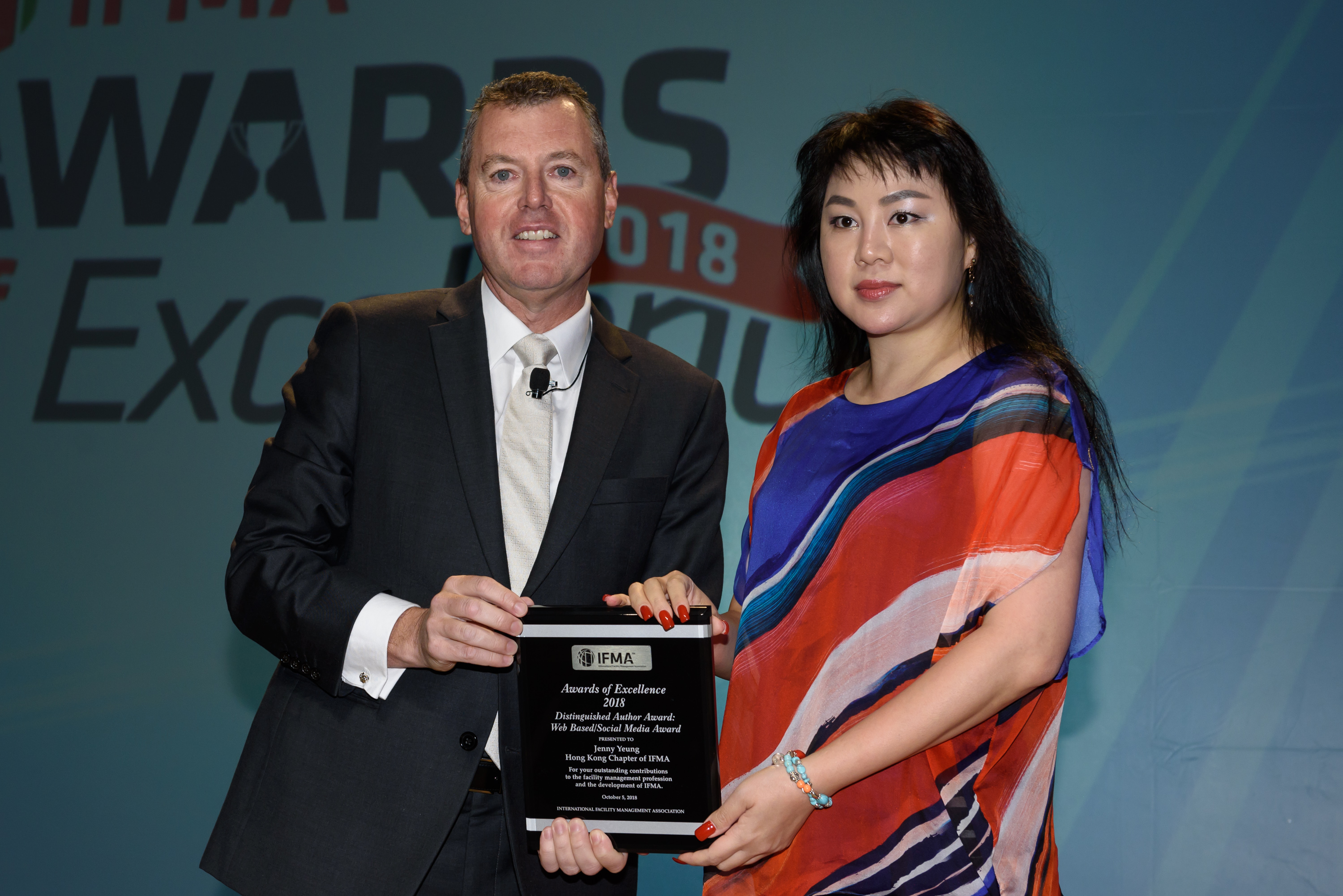 Jenny Yeung receives Distinguished Author Award: Web Based/Social of the Year